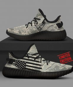AIR FORCE CAMO LIMITED EDITION YEEZY SNEAKER