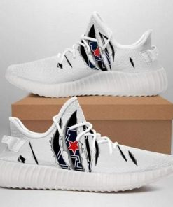 AMERICAN ATHLETIC CONFERENCE NCAA LIMITED EDITION WHITE YEEZY SNEAKER RUNNING BOOTS 02
