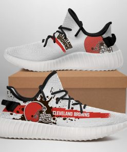 CLEVELAND BROWNS LIMITED EDITION WHITE YEEZY SNEAKER RUNNING BOOTS