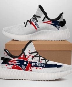 NEW ENGLAND PATRIOTS LIMITED EDITION WHITE YEEZY SNEAKER RUNNING BOOTS