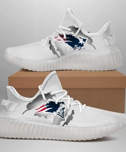 NEW ENGLAND PATRIOTS YEEZY SNEAKER SHOES GIFT FOR FAN OF NEW ENGLAND PATRIOTS